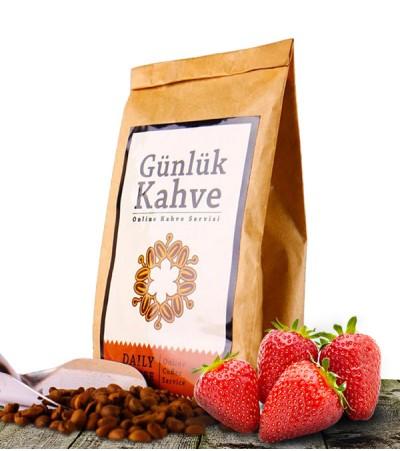 Çilekli Türk Kahvesi